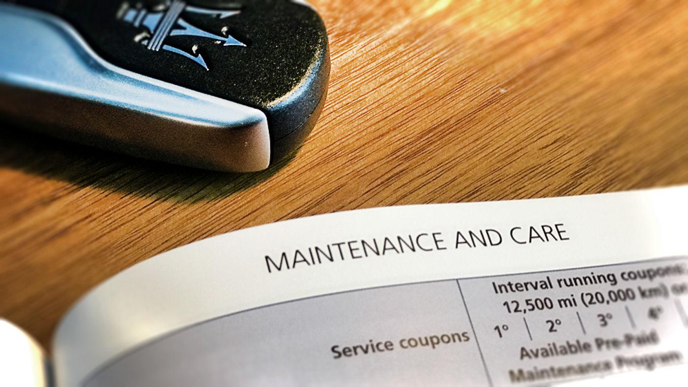 Un porte-clé avec le calendrier d'entretien Maserati