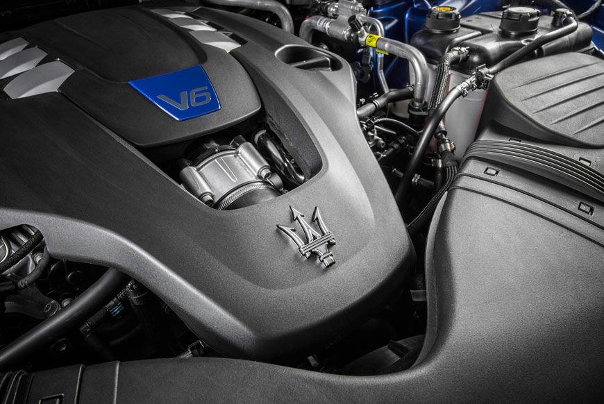 Logo Maserati on Motor V6