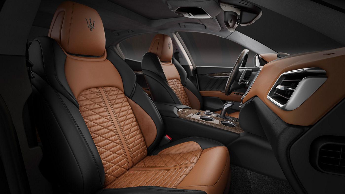 Tan and black Piano Fiore natural leather seats - Maserati Ghibli Edizione Nobile interior