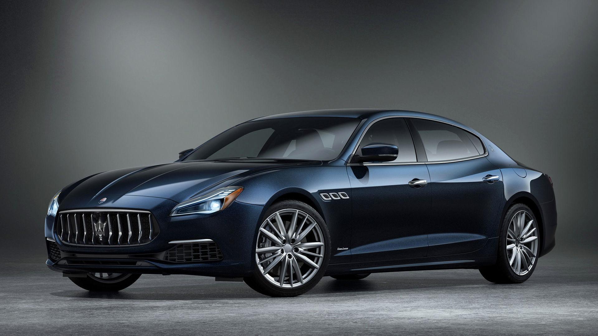 Maserati Quattroporte Edizione Nobile - side view - color Blue Nobile (royal blue)
