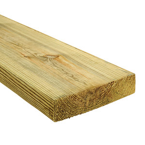 Wickes Treated Kiln Dried C16 Timber - 45 x 195 x 3000mm