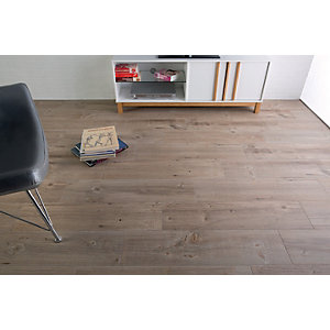Wickes Heartwood Light Oak Wood Effect Porcelain Wall & Floor Tile - 850 x 200mm