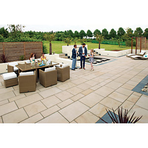 Marshalls Sawn Versuro Smooth Caramel Cream Paving Slab 750 x 750 x 30 mm - 9m2 pack