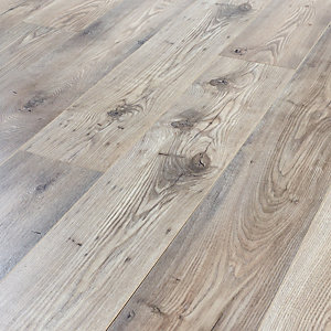 Kronospan Rushmore Chestnut Laminate Flooring - 1.73m2 Pack