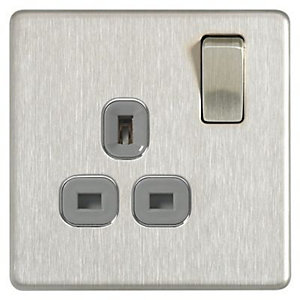 Wickes 13A Screwless Single Switched Socket - Brushed Silver