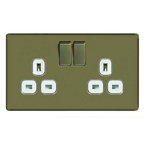 Wickes 13A Screwless Flat Plate Twin Switched Socket - Pearl Nickel
