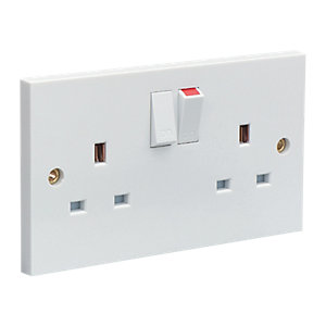 Wickes 13 Amp Twin Switched Plug Sockets - White - Pack of 10