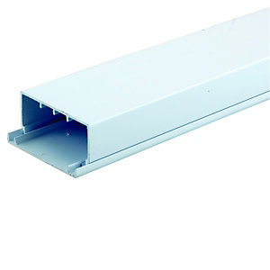 Wickes Maxi Trunking - White 100 x 50mm x 2m Pack of 4