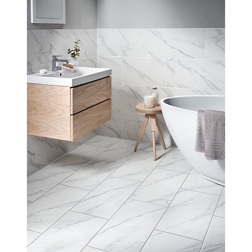 Wickes Calacatta Matt White Glazed Marble Effect Porcelain Wall Floor Tile 600 X 300mm Wickes Co Uk