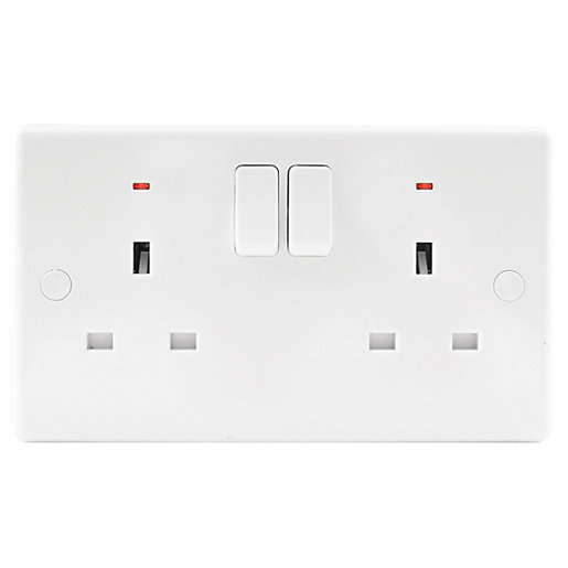 Wickes 13A Slimline Twin Switched Neon Socket -