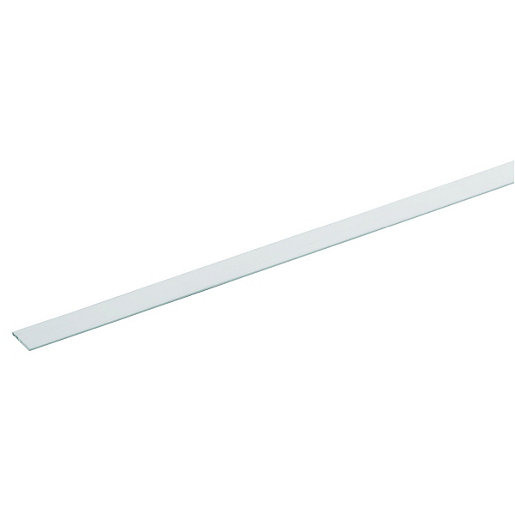 Wickes 23.5mm Multi-Purpose Angle - White PVCu 1m