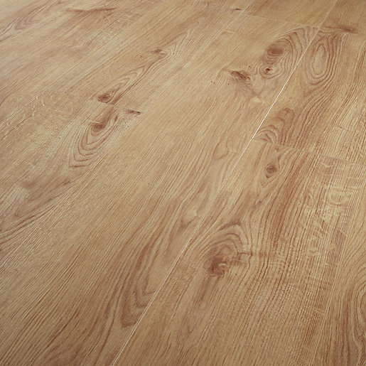Wickes Navelli Light Oak Laminate Flooring 1 48m2 Pack Wickes Co Uk