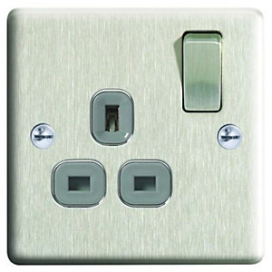 Wickes 13A Raised Plate Single Switched Socket - Brushed Silver