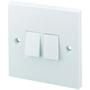 Wickes 10A 2 Gang 2 Way Light Switch - White