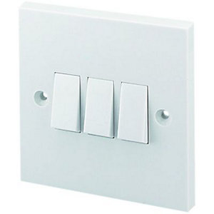 Wickes 10A 3 Gang 2 Way Light Switch - White
