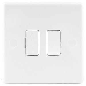 Wickes 13A Slimline Single Fused Connection Unit - White