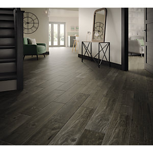 Wickes Heartwood Grey Oak Wood Effect Porcelain Wall & Floor Tile - 850 x 200mm