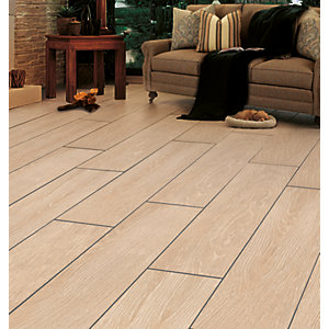Wickes Kielder Light Oak Wood Effect Porcelain Wall & Floor Tile 900 x 150mm