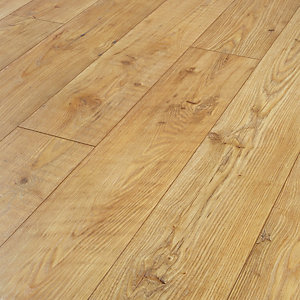 Wickes Sonora Light Chestnut Laminate Flooring - 1.73m2 Pack