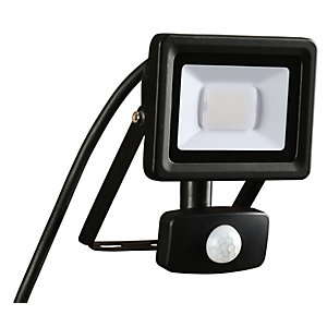 Wickes Aluminium PIR Sensor Floodlight IP44 Black 10W