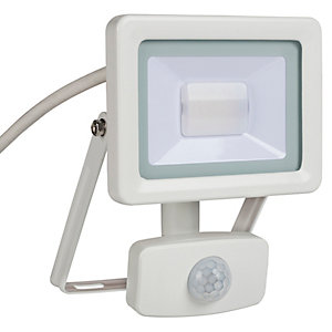 Wickes Aluminium PIR Sensor Floodlight IP44 White 10W