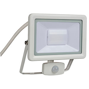 Wickes Aluminium PIR Sensor Floodlight IP44 White 30W