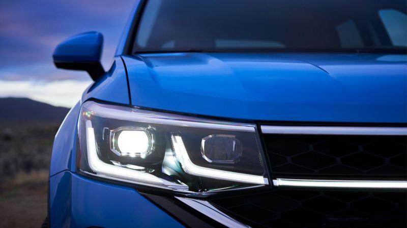 Les phares avant du Taos 2021 de Volkswagen