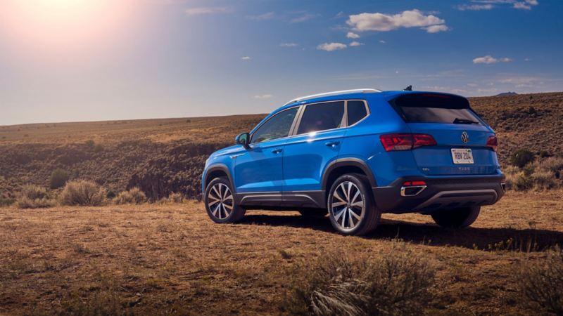 Le Taos 2021 de Volkswagen stationné en nature