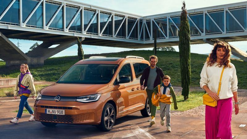 Den nye Caddy 5 stor personbil familiebil skyvedør 7-seter LED-frontlys panoramasoltak stort bagasjerom