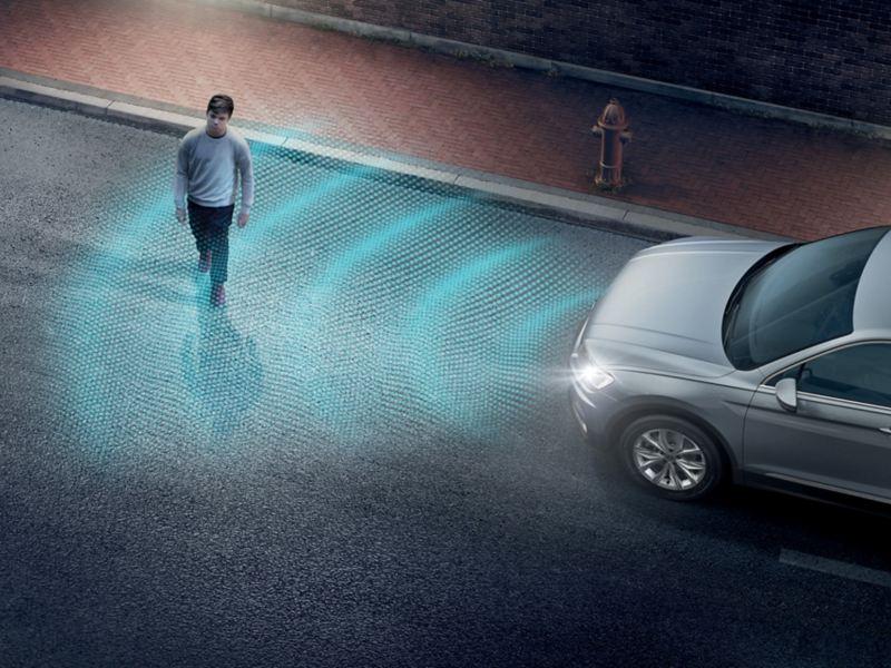폭스바겐 모델 티구안 안전 사양 보행자 모니터링 시스템