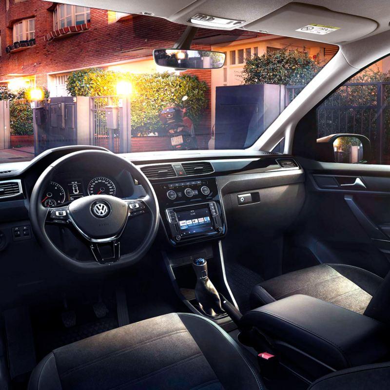 caddy diseño interior vista del volante e instrumentos