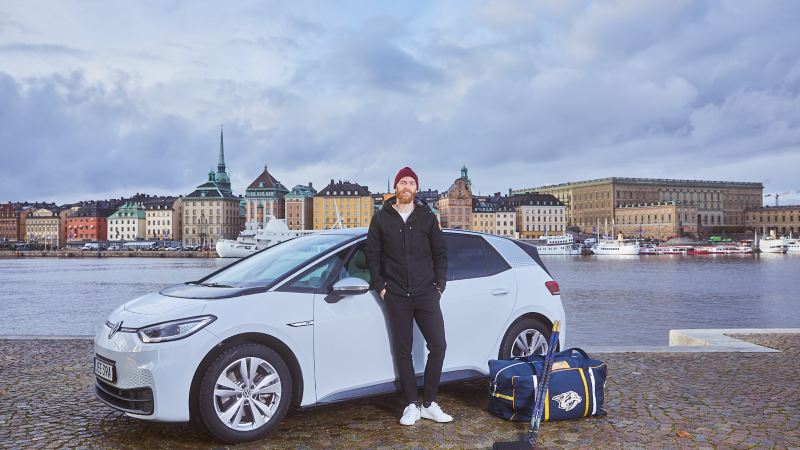Mattias Ekholm är nybliven ägare av en Volkswagen ID.3