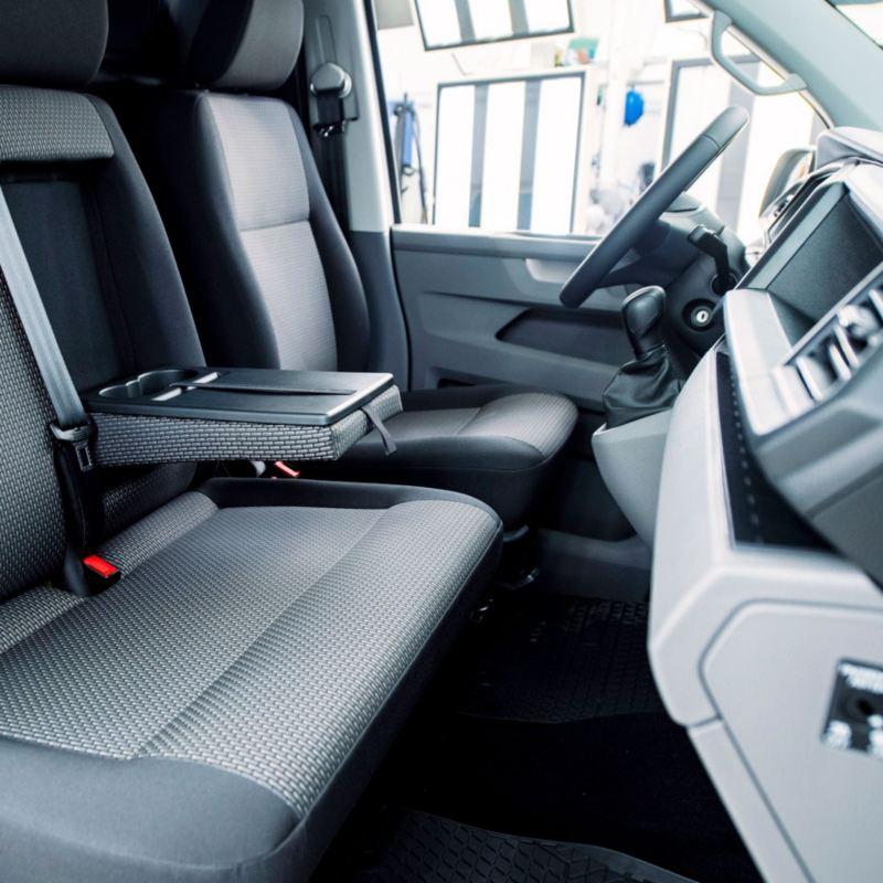diseño interior asientos y volante transporter 6.1