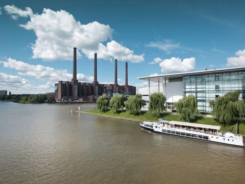 Panorama des Volkswagen Standortes Wofsburg