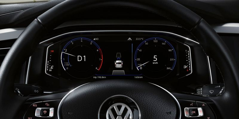 Pantalla digital del navegador de un Volkswagen Polo