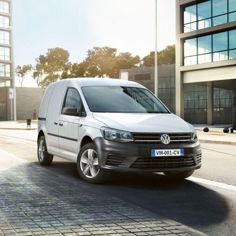 Vue avant du Volkswagen Véhicules Utilitaires Craddy Van avec offre