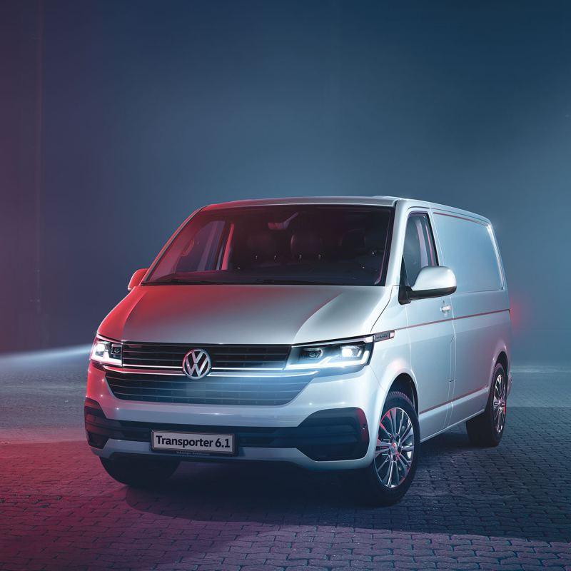 Vue de profil  du Volkswagen Véhicules Utilitaires Transport Van 6.1