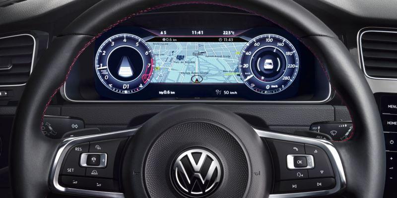 Vista frontal del volante y el Digital Cockpit de un Volkswagen Golf