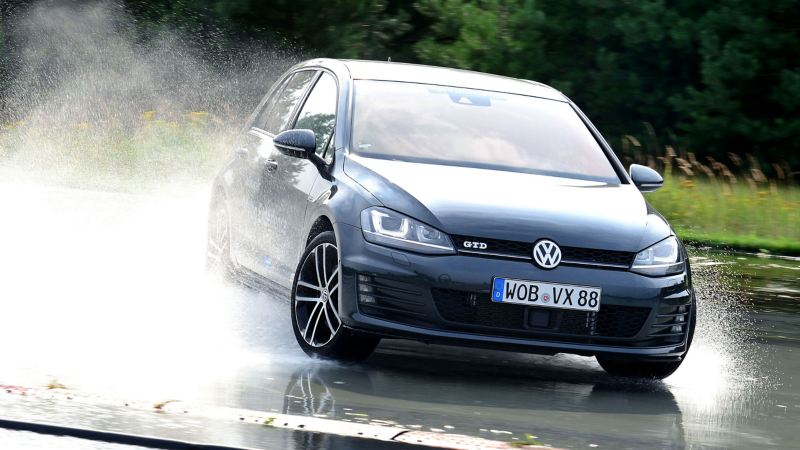 Volkswagen Golf con pneumatici all-season