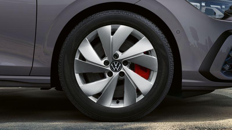 Detailansicht eines VW Reifenprofils – 36 Monate Volkswagen Reifengarantie