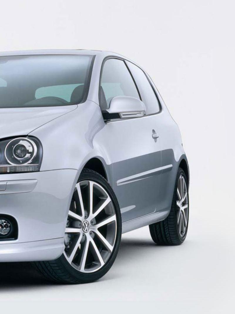 Volkswagen Golf 5 grigia