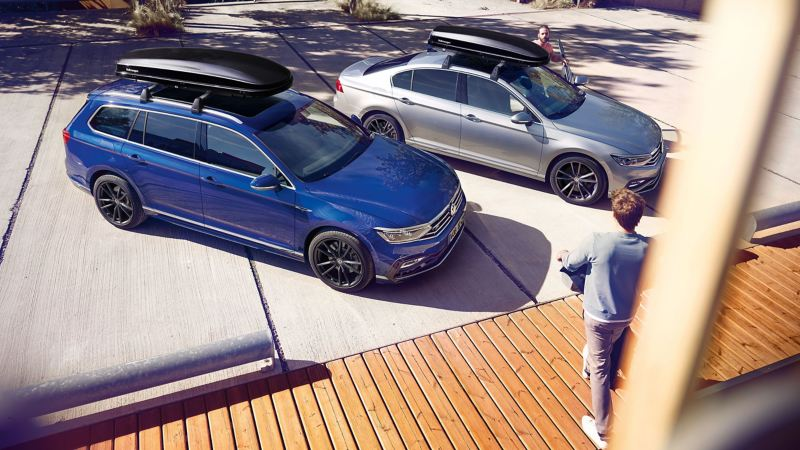 Volkswagen Passat blu e grigia