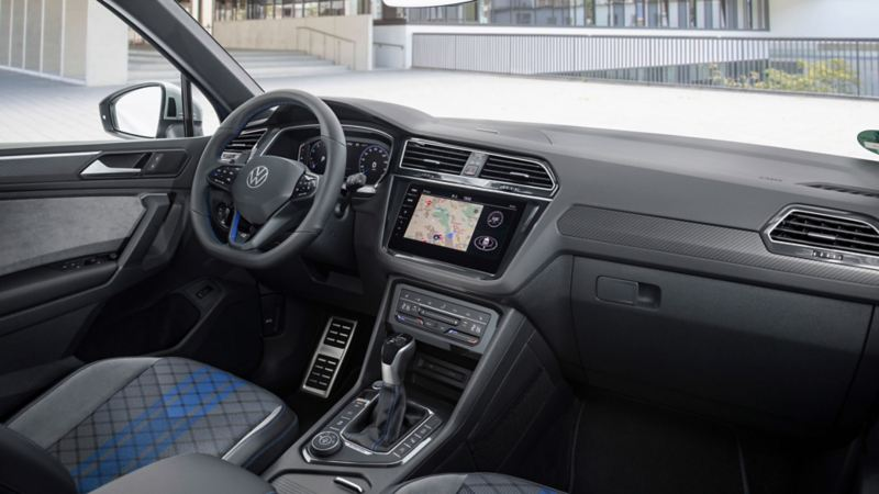 Interiør og førermiljø i VW Volkswagen Tiguan R SUV