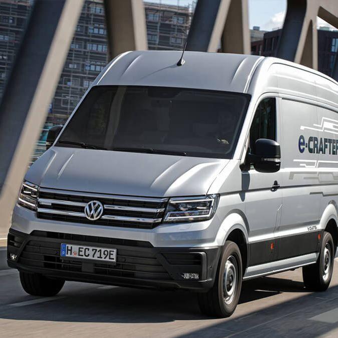 Volkswagen Bedrijfswagens levert eerste e-Crafters af in Nederland