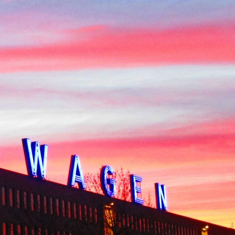 Volkswagen Schriftzug auf Standort