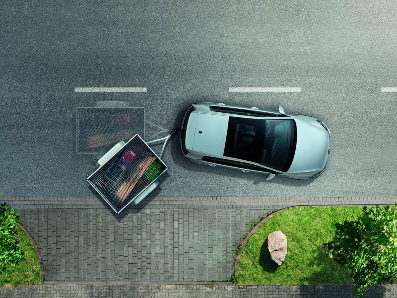 Gráfica del asistente de remolque de un Volkswagen Golf plateado