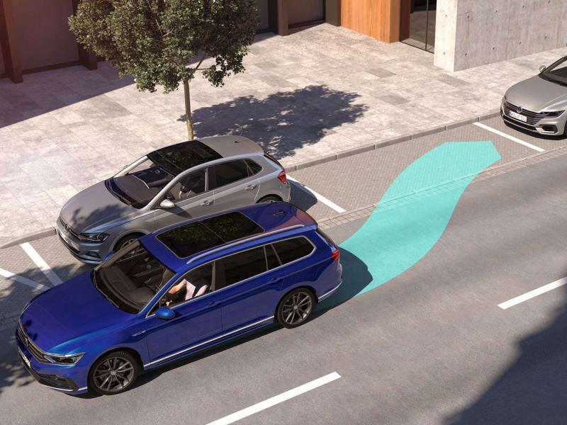 Passat Alltrack aparcando en linea y representación gráfica del asistente