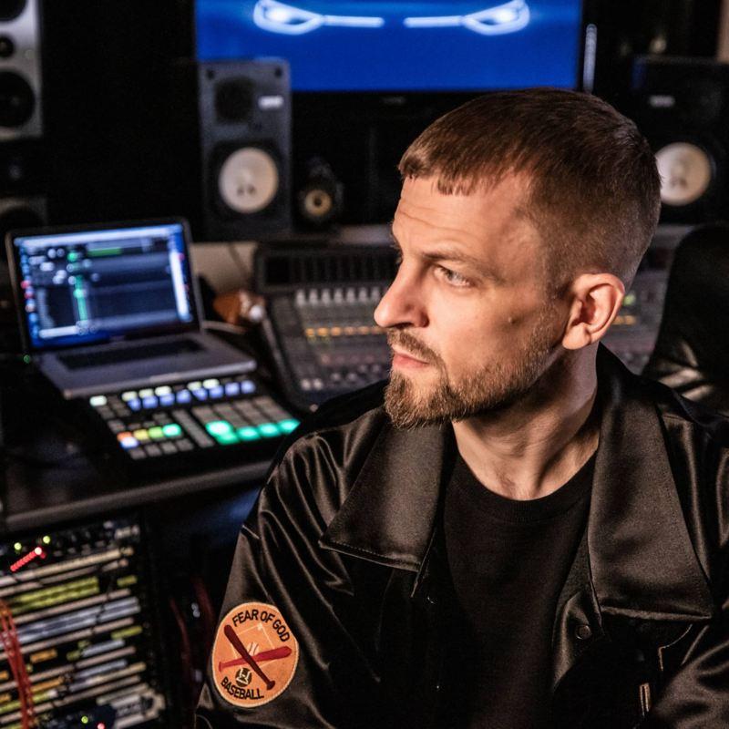 Andres Andrekson en studio d'enregistrement