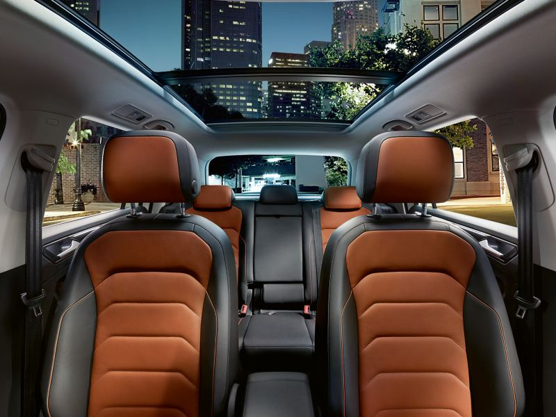 Panoramik cam tavan ile Tiguan'ın koltuk ve iç tasarımı