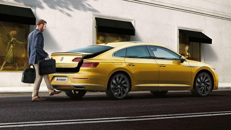 Volkswagen Kolay Açılır Bagaj Kapağı